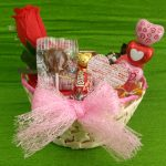 Cesto decorativo com chocolates
